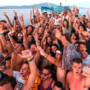 vacanze-a-zante-giovani-viaggio-di-maturit-viaggio-evento-boat-party