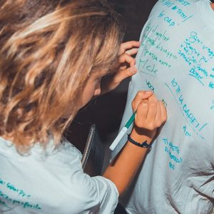 viaggio-di-maturita-vacanze-per-giovani-corf-paint-your-t-shirt