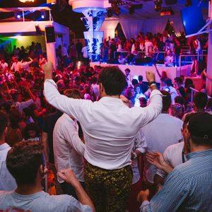 viaggio-di-maturita-gallipoli-vacanze-in-salento-viaggi-giovani-programma-discoteca-blubay