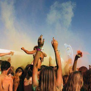 viaggio-di-maturita-gallipoli-vacanze-in-salento-viaggi-giovani-programma-holi-party-beach