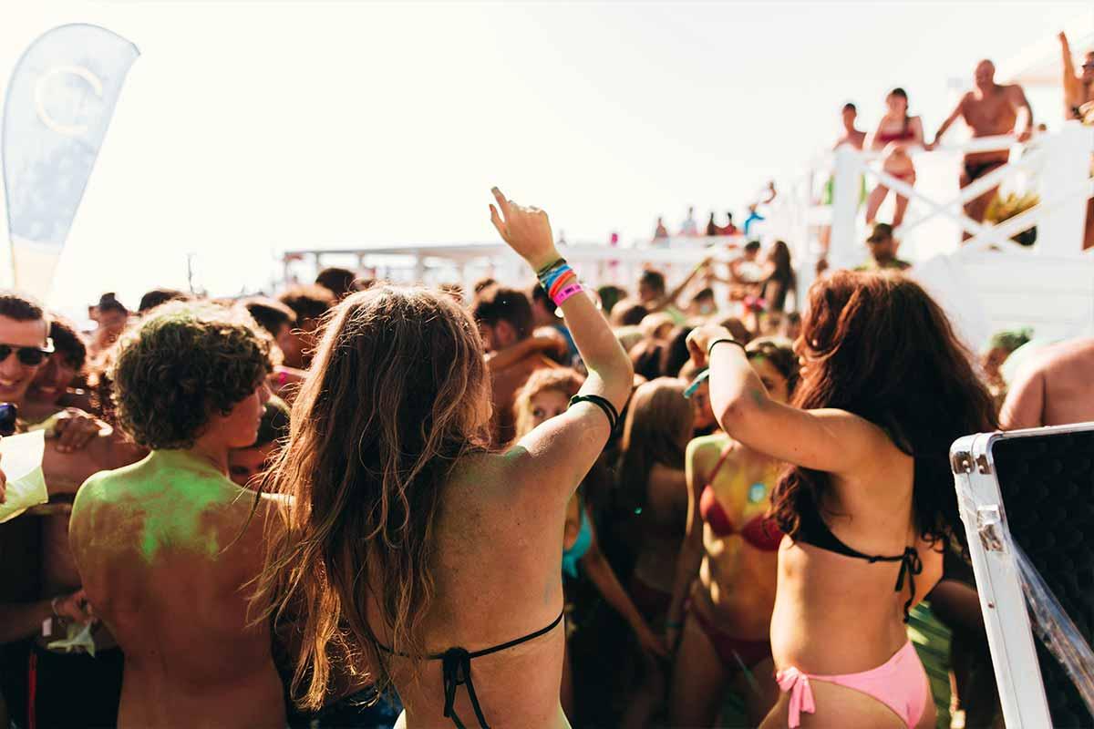 viaggio-di-maturita-gallipoli-viaggi-giovani-vacanze-a-gallipoli-beach-party