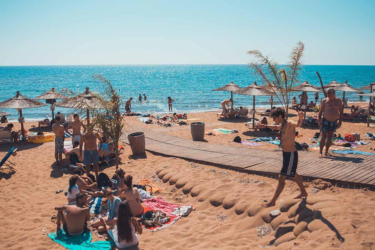 viaggio-di-maturita-vacanze-a-corfu-per-giovani-spiaggia
