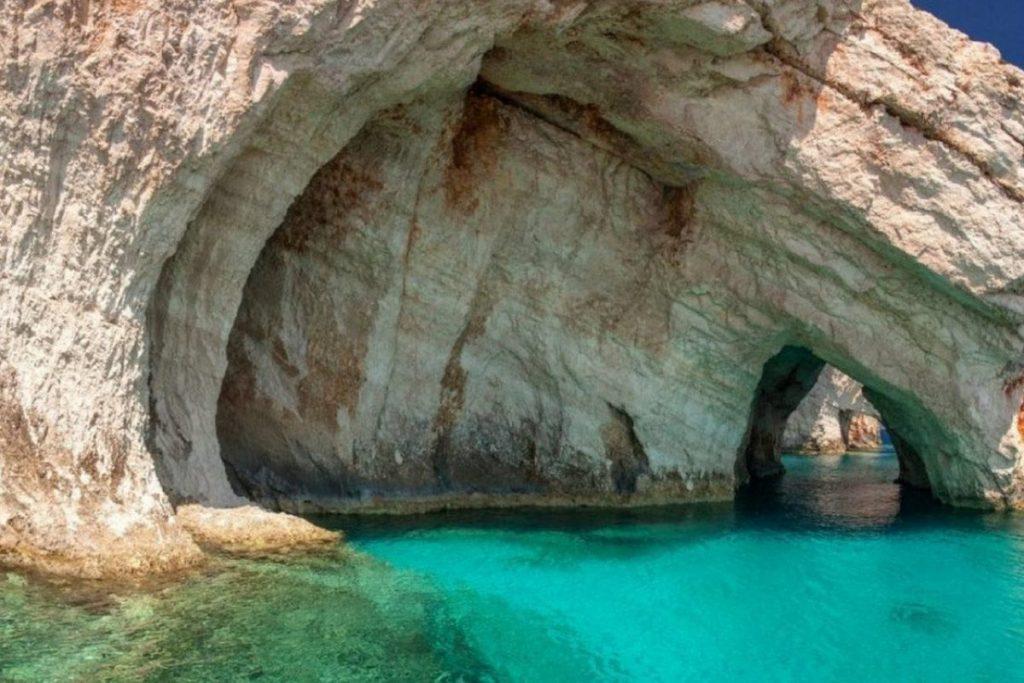 Viaggi di Maturità A Zante - Immagine delle Blu Caves