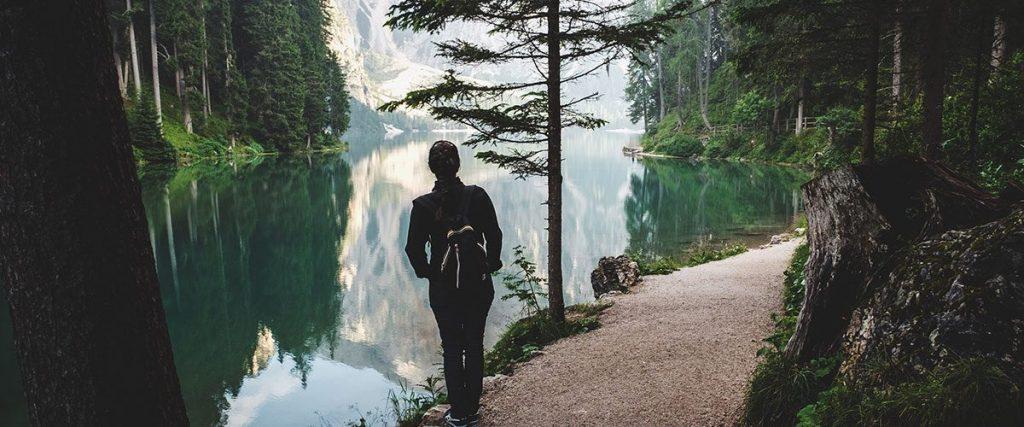 un backpackers pronto per i viaggi di maturità 2019