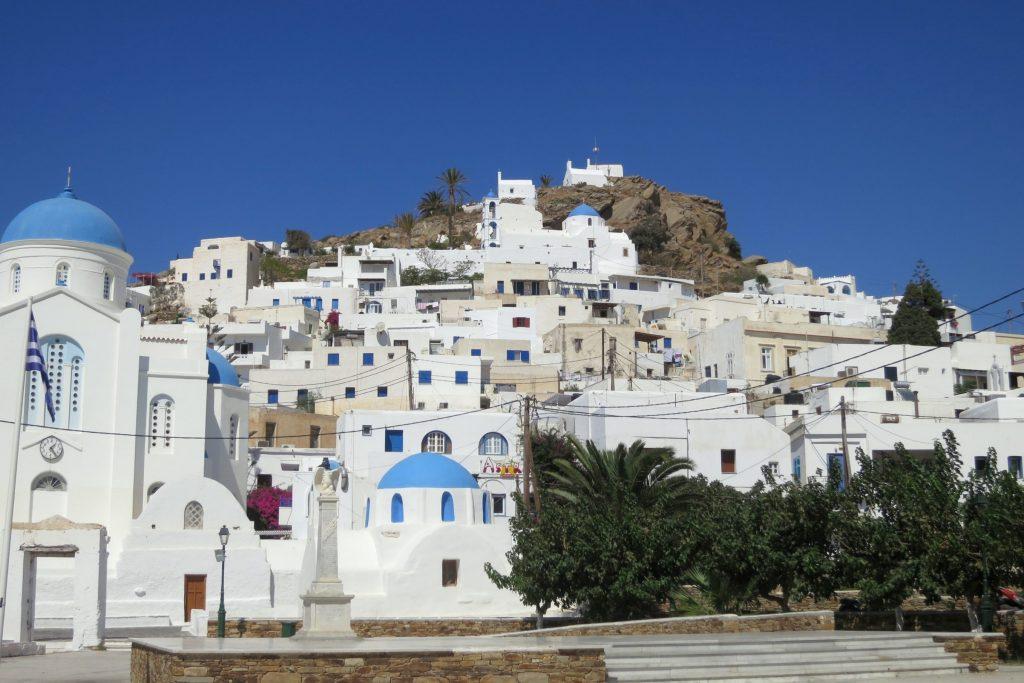 Panorama di Chora, il capoluogo del Viaggio di Maturità ad Ios