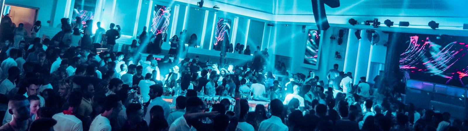 Club 54 - Tappa della vacanza di maturità a Corfù