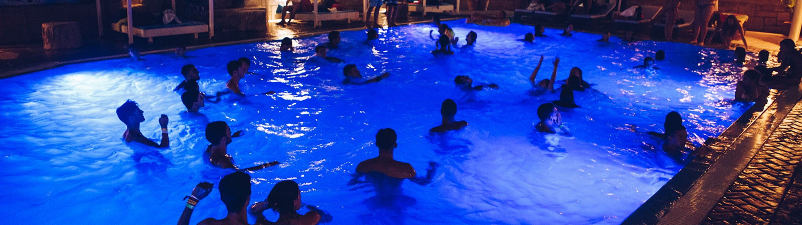 Pool Party nel viaggio evento a Corfù