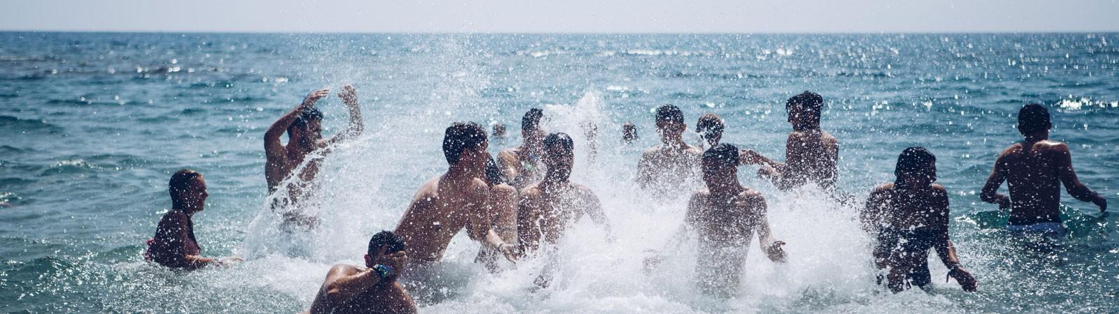 spiaggia di Mikronisi nel viaggio di maturità a Corfù
