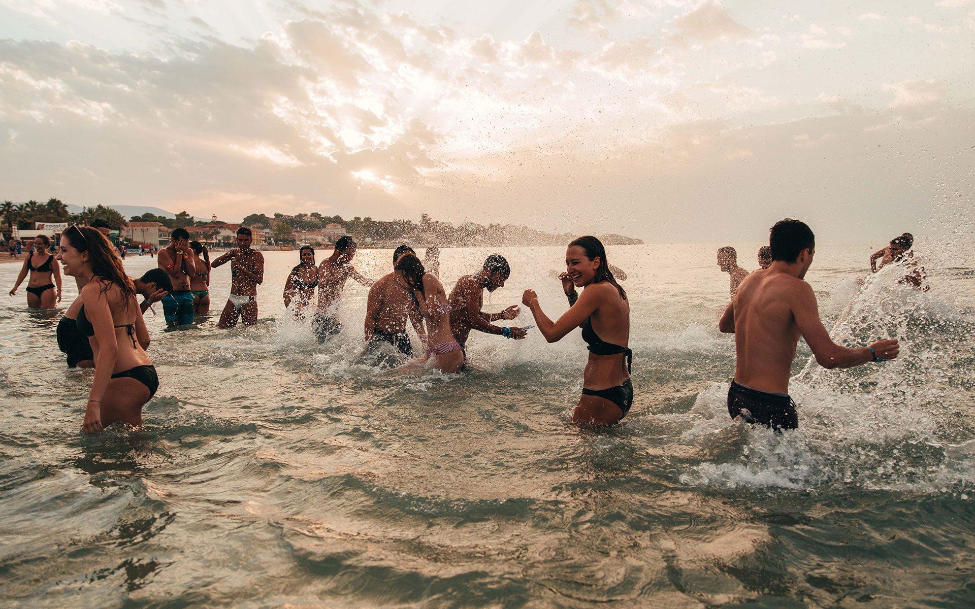 Divertimento in acqua - Viaggi giovani a Pag