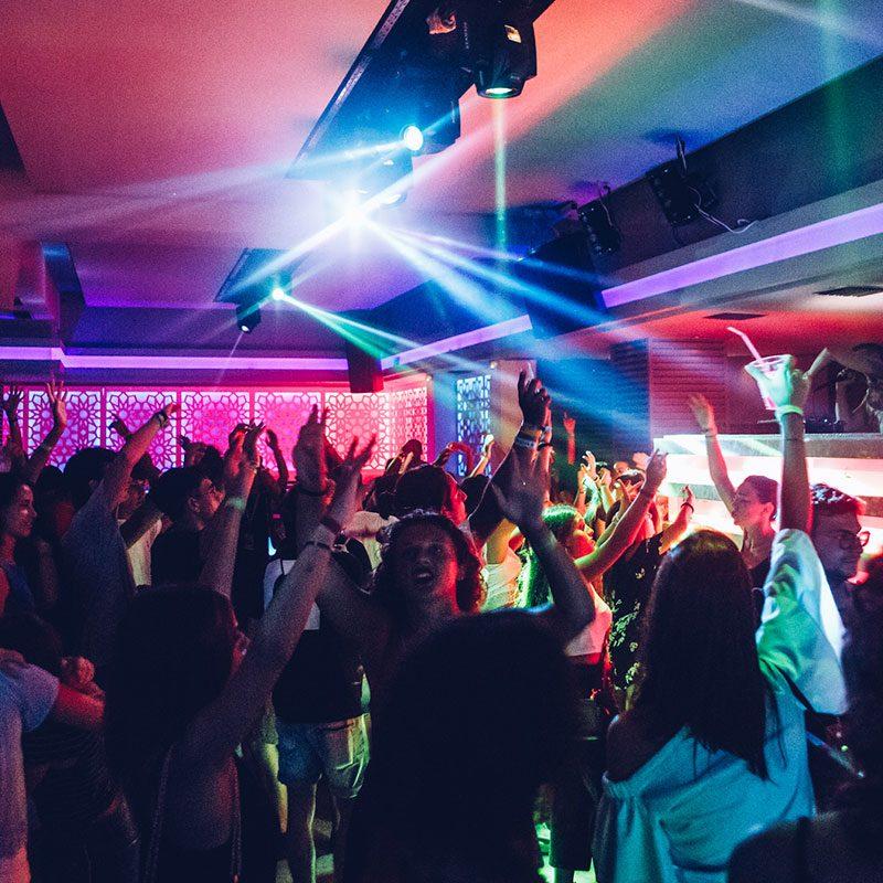 Immagine del Bar Tour durante il Viaggio di maturità a Corfù