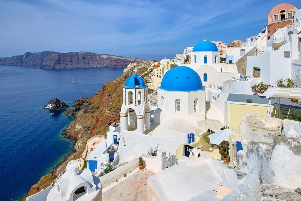 Santorini, al numero 5 delle Isole greche Consigliate per il Viaggio di Maturità