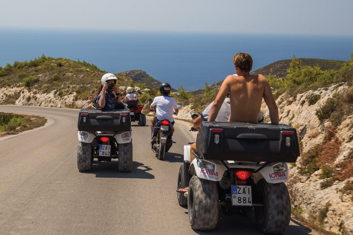 Come muoversi a Zante - Moto - Quad e Automobile